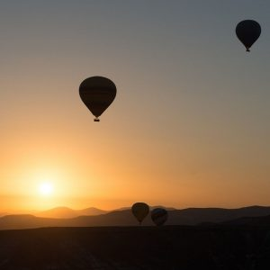 hot-air-ballooning-436445_1920_web